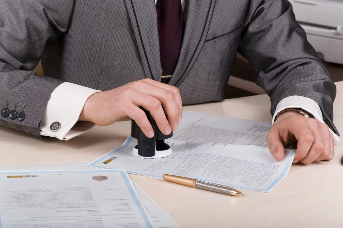 консультация с юристом о налогах