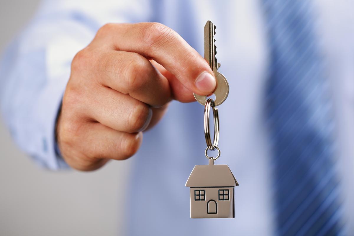 Какие права имеет человек прописанный в квартире но не собственник