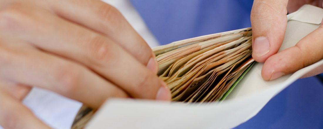 взять кредит с неофициальной работой банк втб телефон в спб