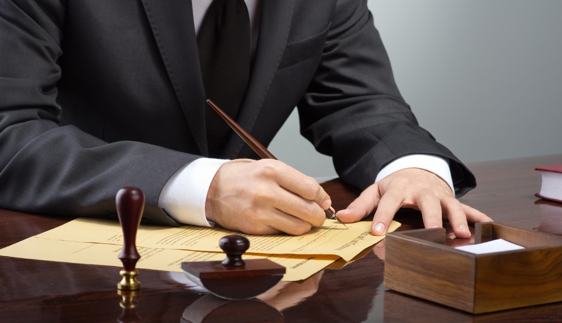 Подать в суд на должника без расписки